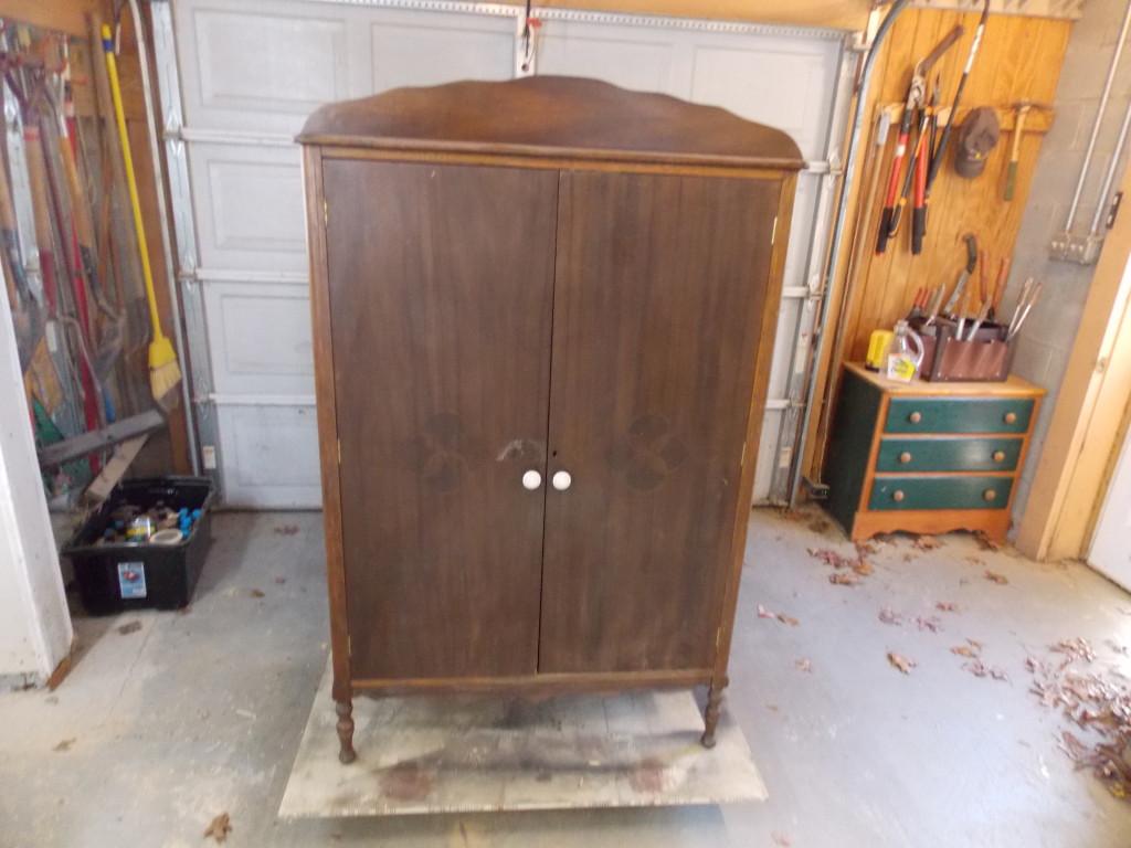 C mo y restaurar muebles viejos espalda con espalda el - Restaurar armario ...