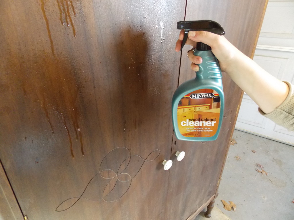 any restoration is cleaning the old finish using Minwax® Wood Cabinet