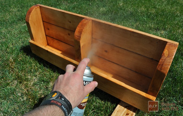 13-Sealing-wood-project-with-Minwax-Polyshades