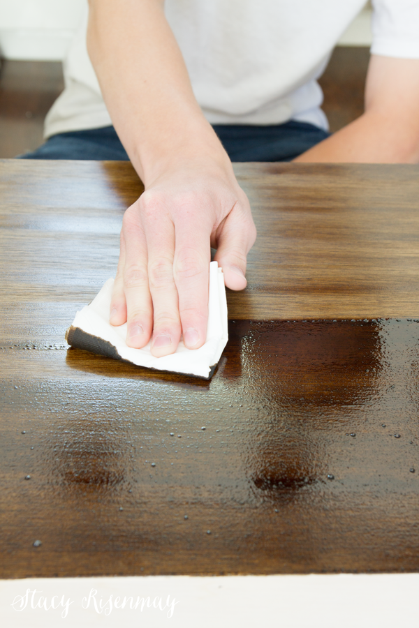 Wiping excess stain
