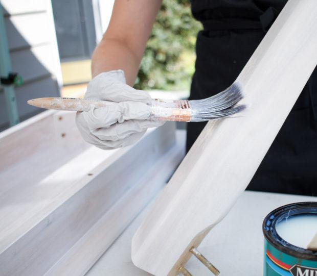 Applying Polycrylic finish