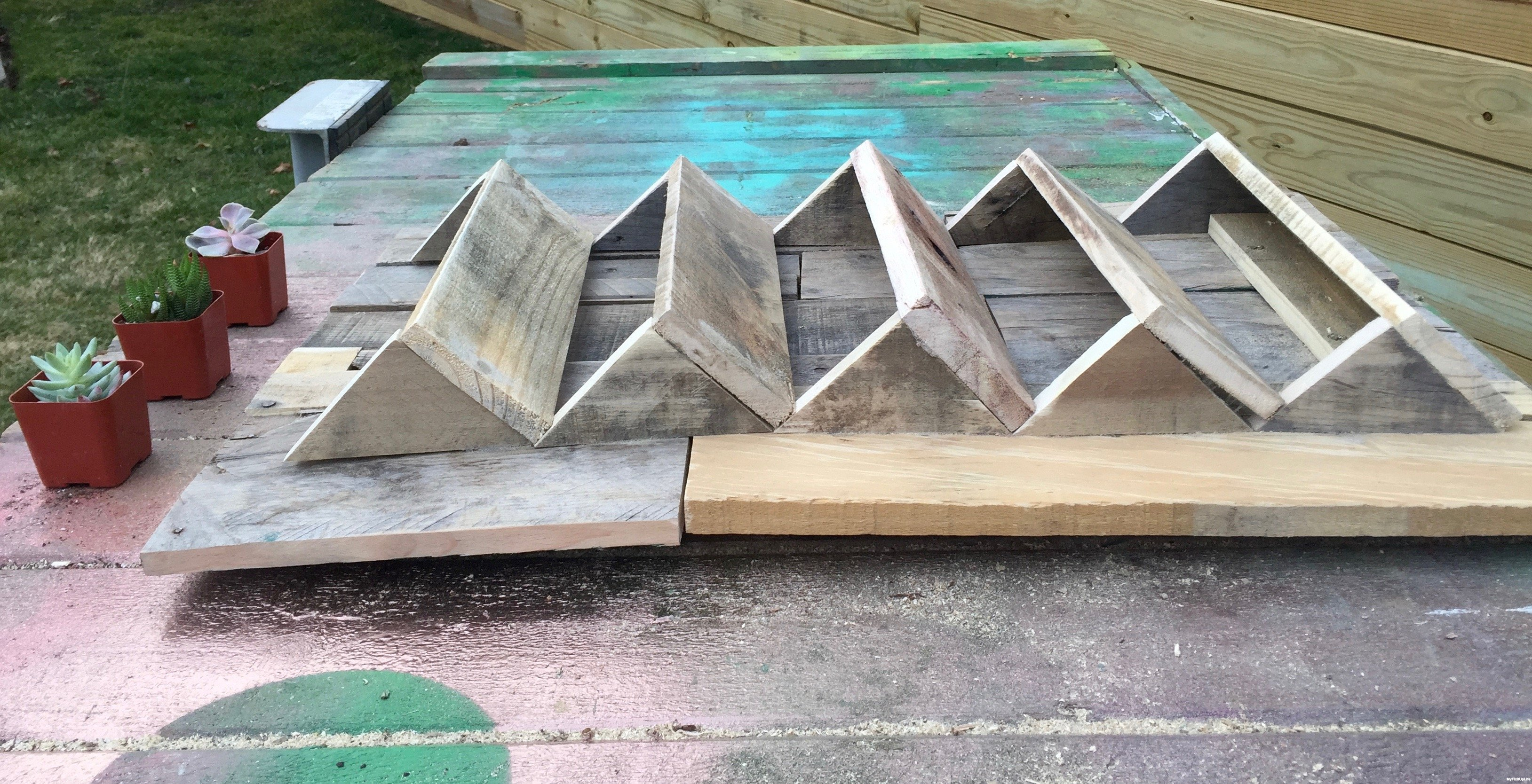 12c-ready-for-stain-Minwax-Succulent-Pallet-Wood-Wall-Art