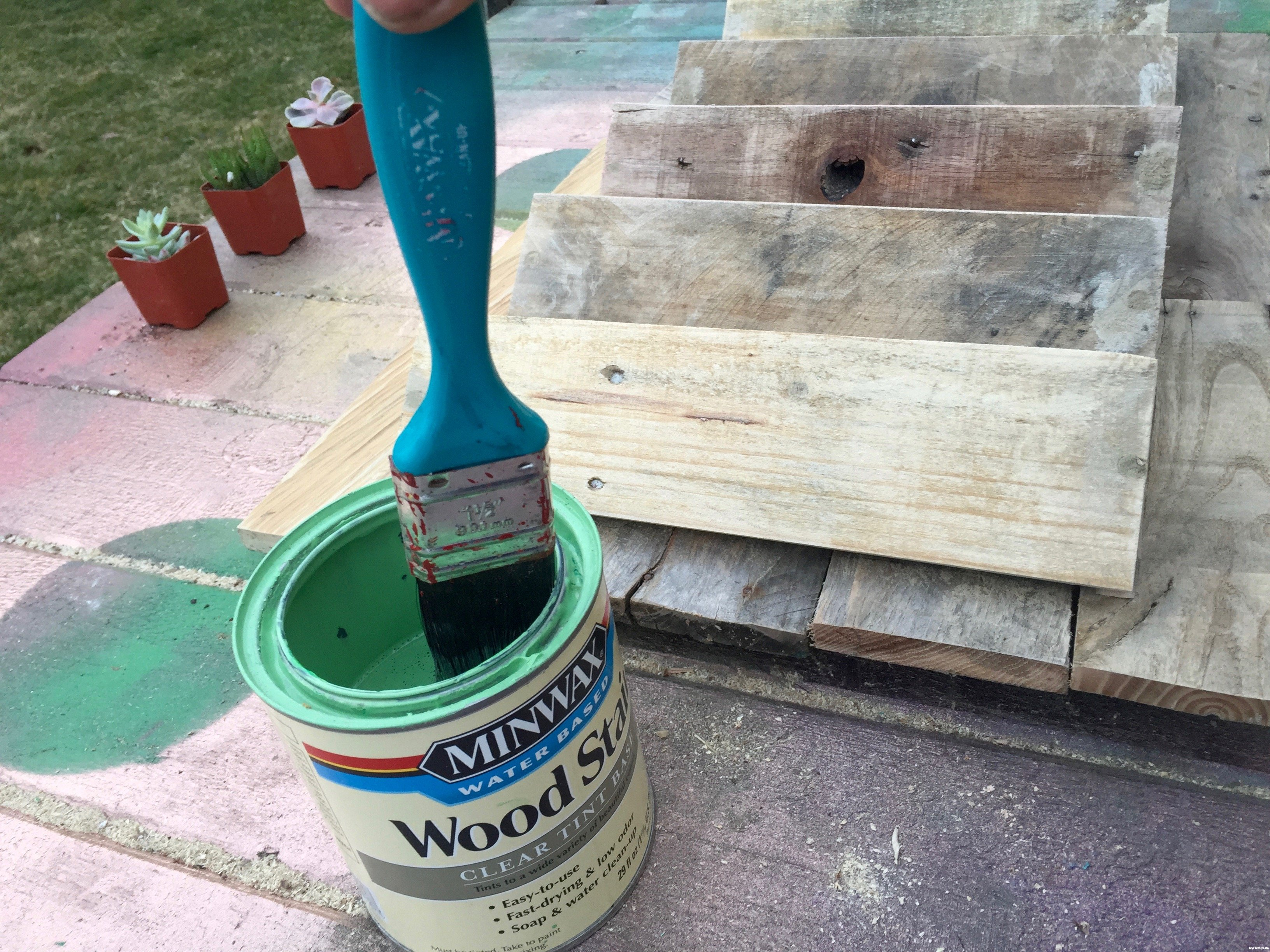 13-first-dip-into-stain-antique-jade-Minwax-Succulent-Pallet-Wood-Wall-Art