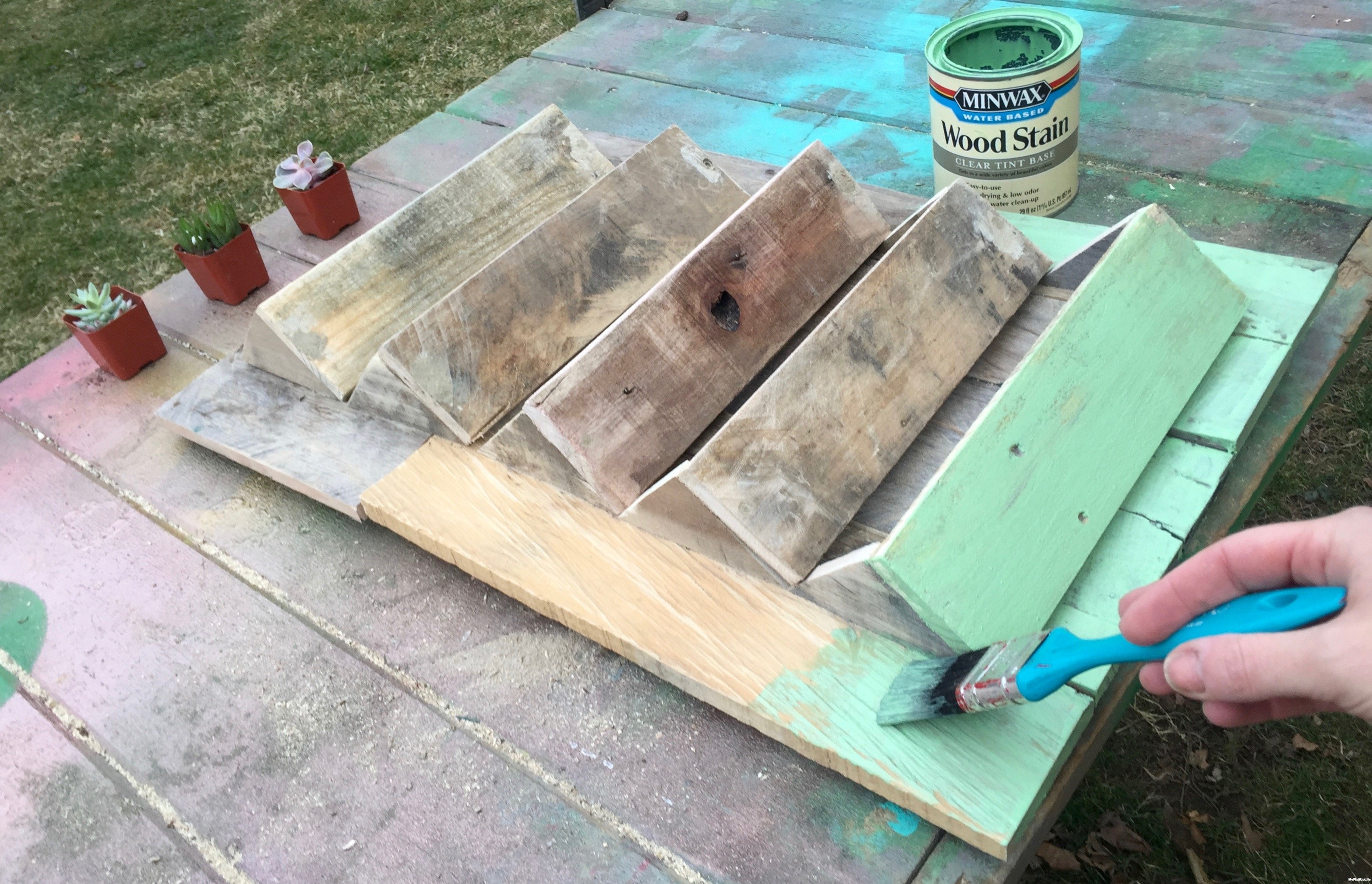 14b-brushing-on-stain-Minwax-Succulent-Pallet-Wood-Wall-Art