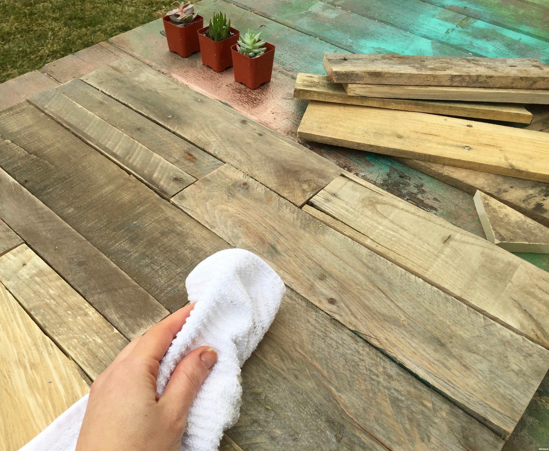 8-wipe-clean-pallet-wood-Minwax-Succulent-Pallet-Wood-Wall-Art