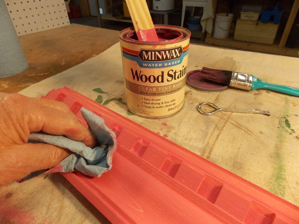 Applying Minwax Water Based Wood Stain to Wood Molding