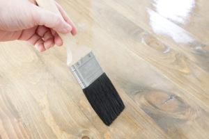 Applying Minwax Polyurethane with a Purdy Ox Hair Brush